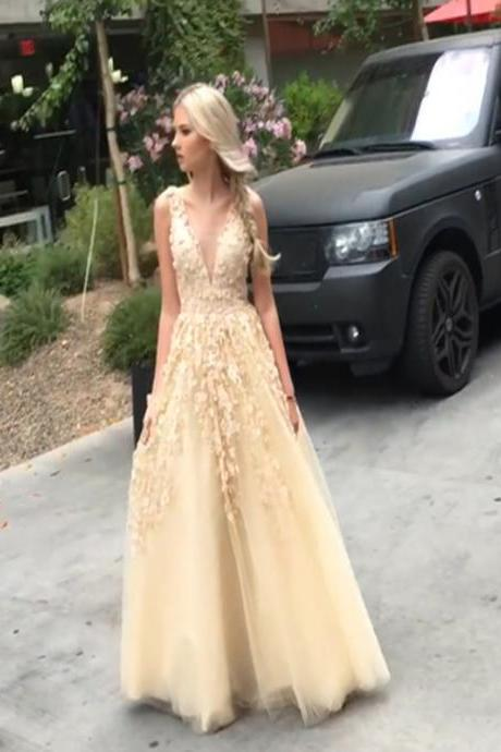 Long Custom prom dress, Prom Dress Ball Gown, V-neck prom dress, Prom Dress with appliques, Prom Dress For Teens, Evening Party Gowns, Elegant Prom Dresses. PD0121081